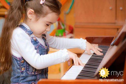 Cảm thụ âm nhạc cho bé 3 tuổi tại tphcm