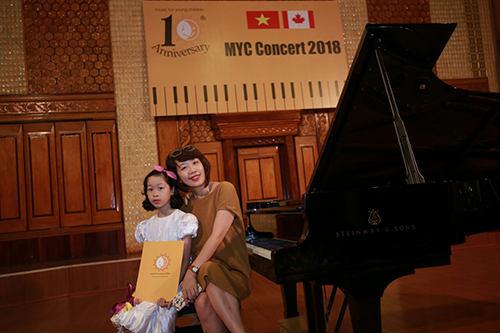 Cô giáo dạy đàn piano uy tín