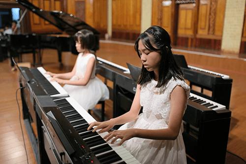 Nên cho trẻ đến địa chỉ dạy piano cơ bản ở đâu?