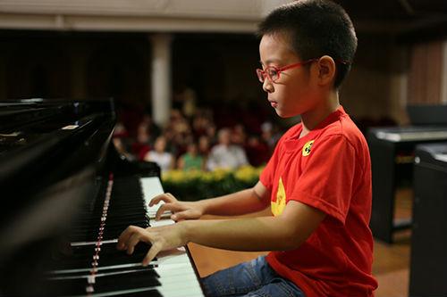 dạy piano ở sài gòn