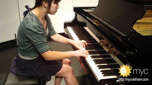 học đàn piano quận 11